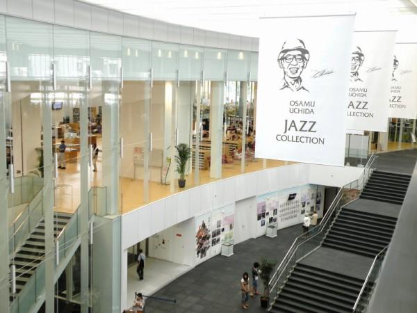 岡崎市立中央図書館2